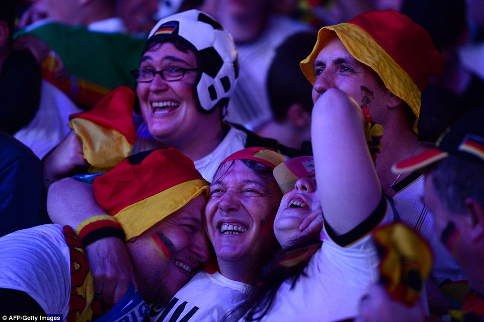 1404854101408_wps_38_Germany_fans_react_as_Ger