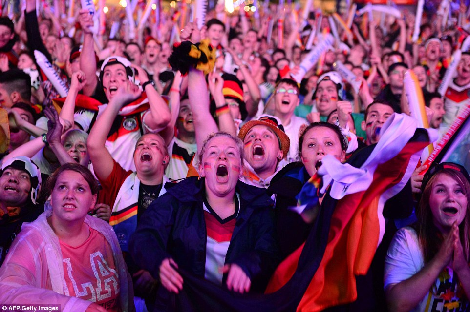 1404854116036_wps_41_TOPSHOTS_Germany_fans_as_