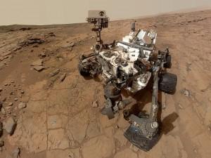 nasas-curiosity-rover-photographs-round-balllike-object1