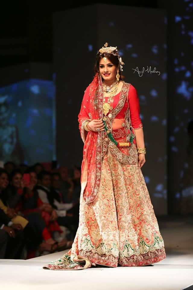 Raveena-Tandon-nepali-fashion-show