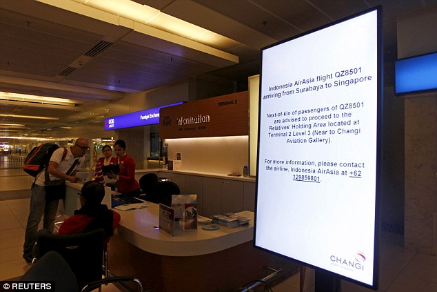 AirAsia-flight-loses-contact4