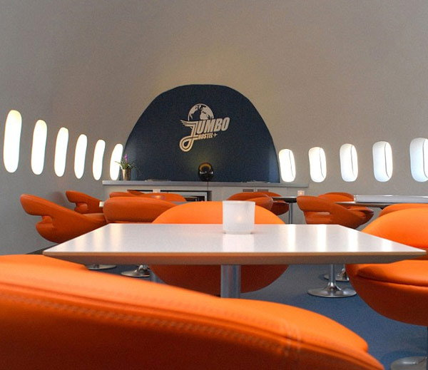 retired-boeing-jet-become-hotel2