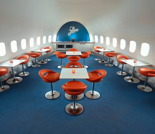retired-boeing-jet-become-hotel3