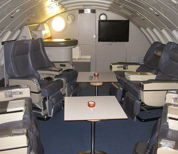 retired-boeing-jet-become-hotel5