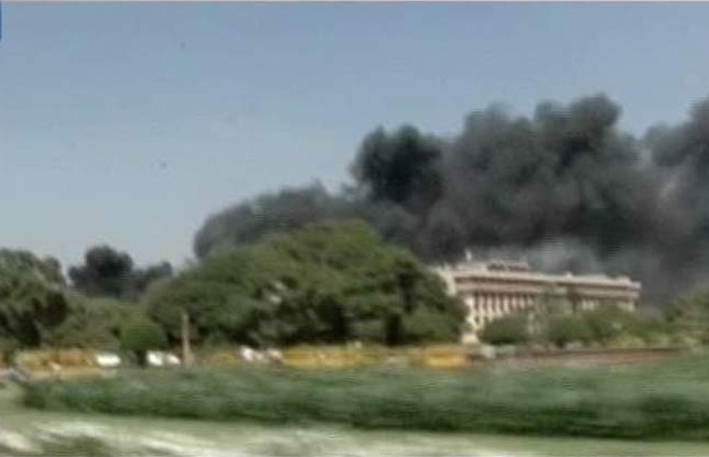 fire-on-indian-parliament2