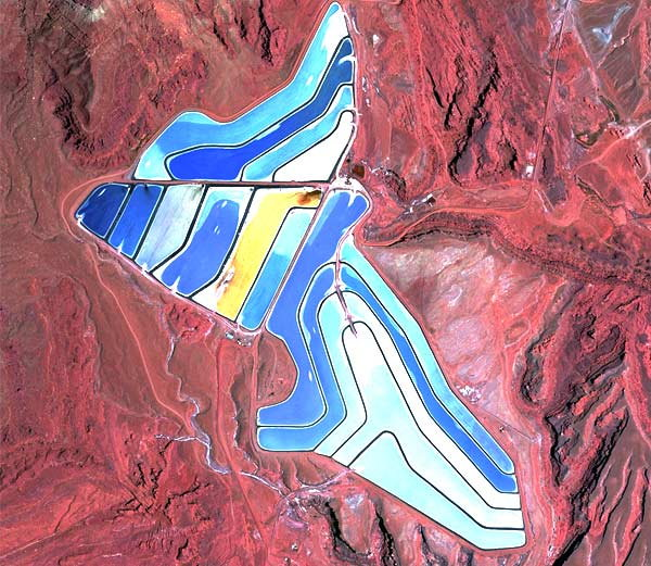 breathtaking-pics-of-landmarks-from-space4