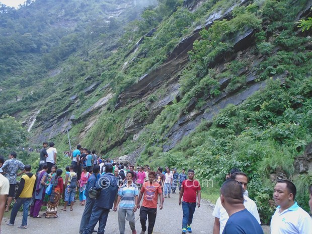 micro bus accident in palpa1