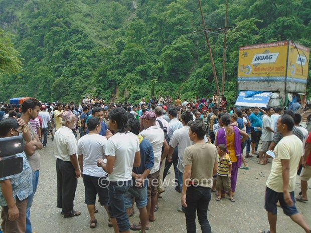 micro bus accident in palpa2