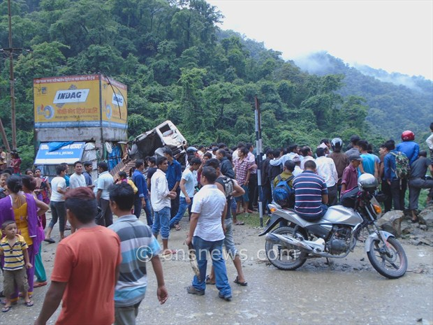micro bus accident in palpa3