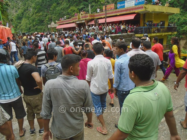micro bus accident in palpa4