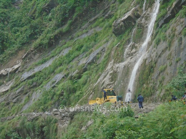 micro bus accident in palpa6